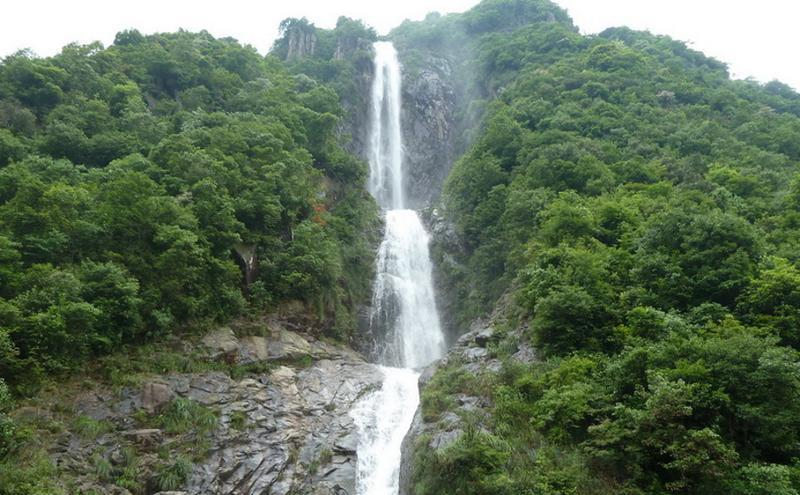 龙泉白云岩旅游风景图片