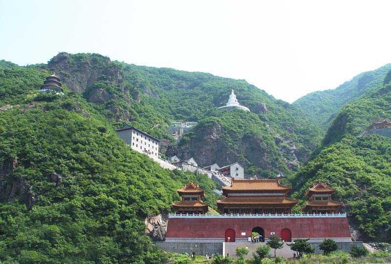 辽阳龙峰山景点图片