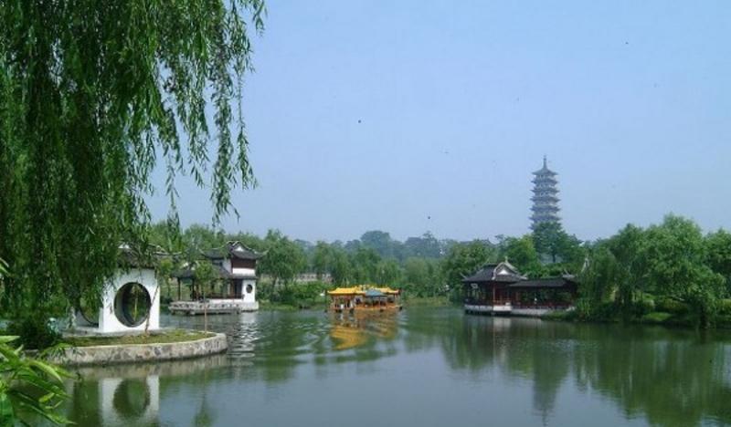 扬州茱萸湾公园景点图片