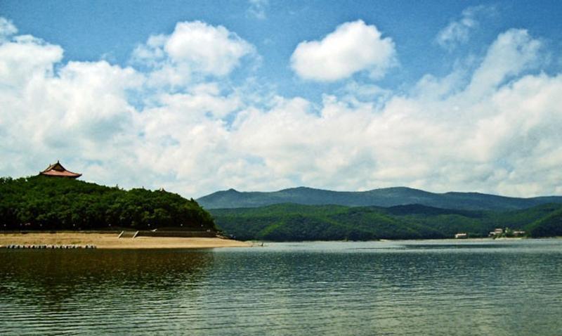 黑龙江镜泊湖