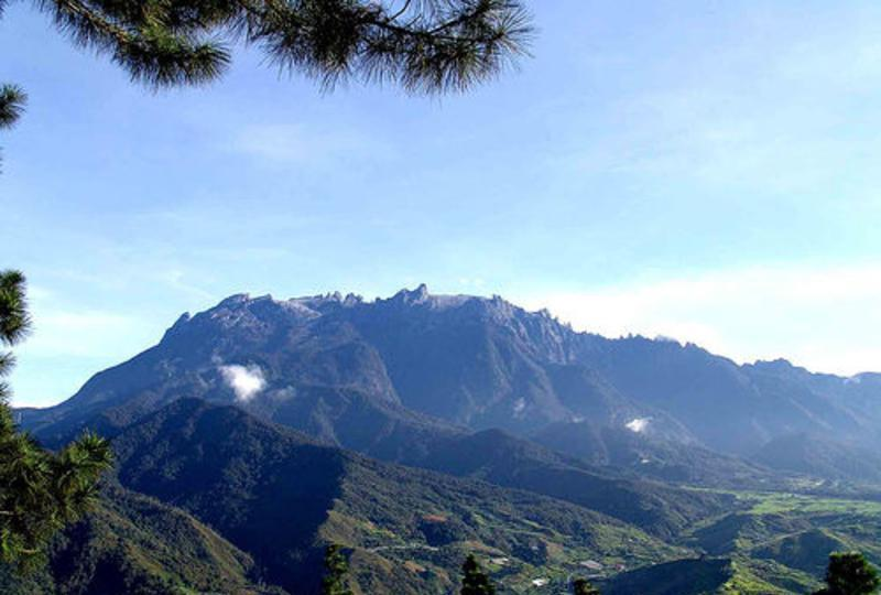 鲁山国家森林公园