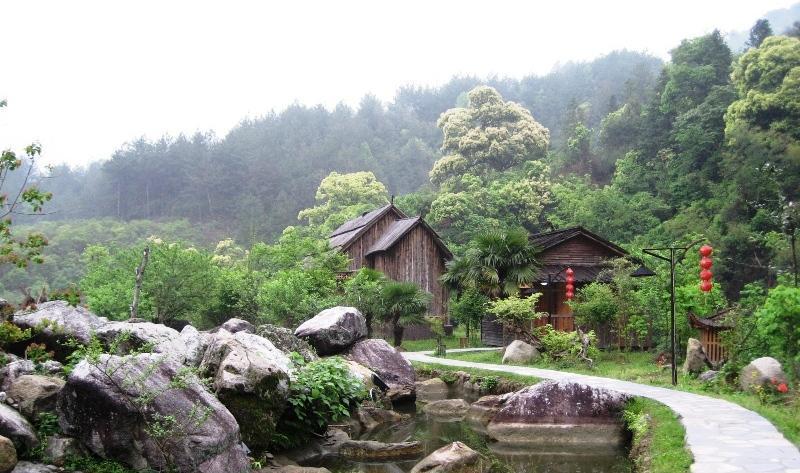 南昌梅岭风景点图片