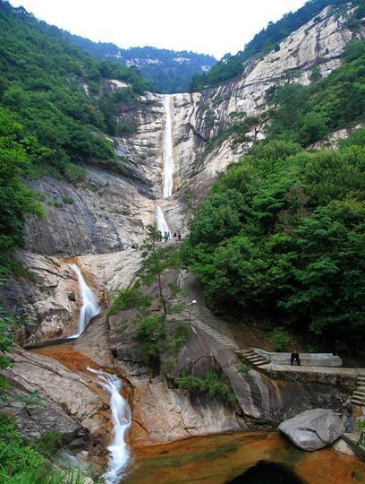 黄山九龙瀑