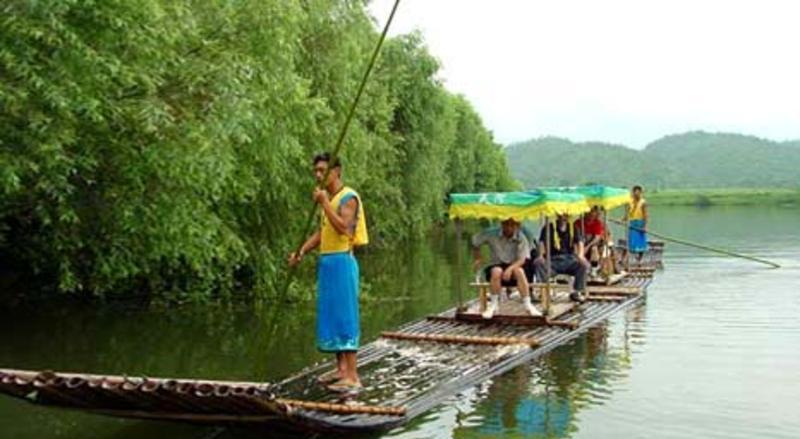 京山天河度假村 之 天河漂流的图片和照片