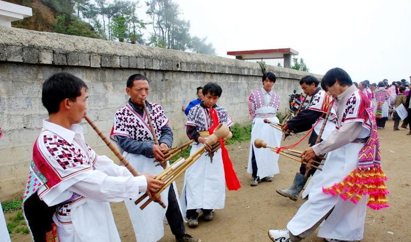 凤凰竹山苗寨 之 花山节