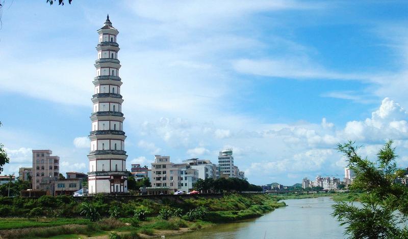 高州宝光塔旅游风景图片