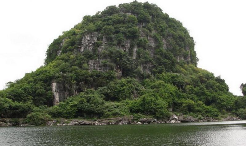 广西八仙天池景点图片