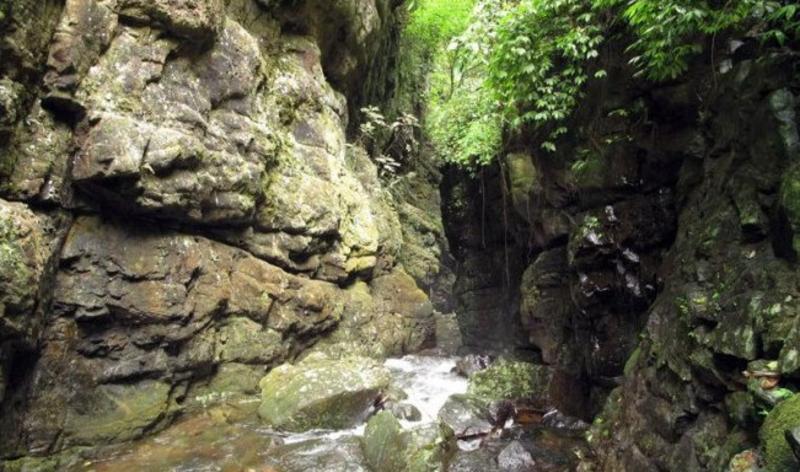 广西百崖槽风景点图片