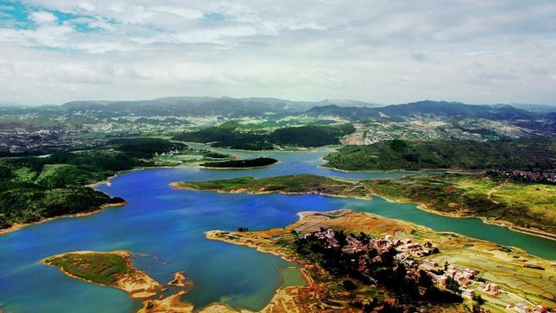 曲靖花山湖景点图片