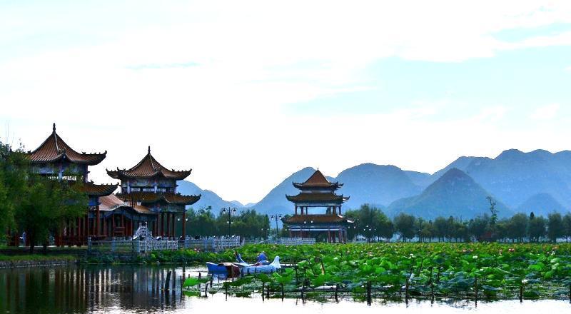 黔西南安龙招堤风景点图片