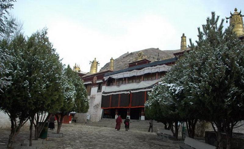 西藏拉萨色拉寺景点图片