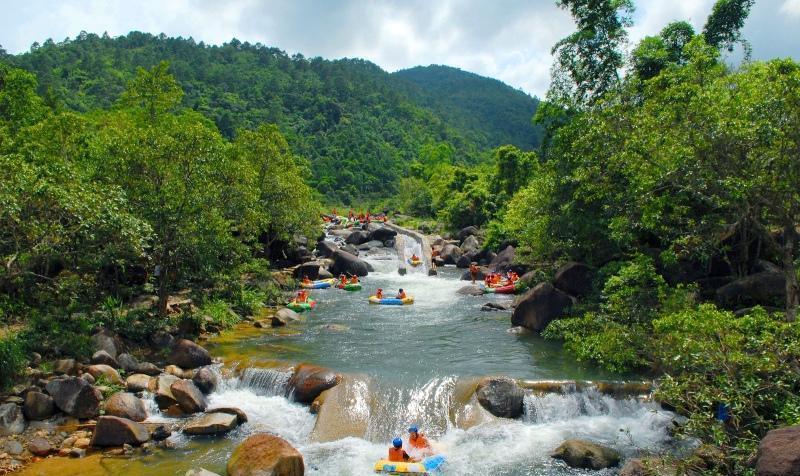 东兴屏峰雨林公园景点图片