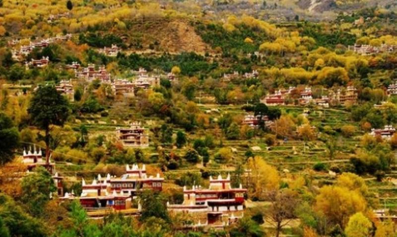 甘孜甲居藏寨