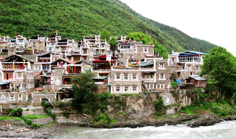 马尔康卓克基嘉绒藏族旅游风景图片