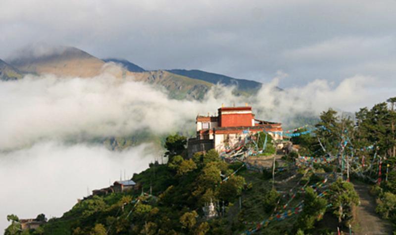西藏卡久寺景点图片