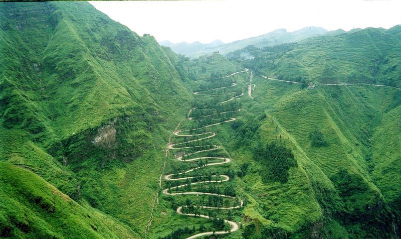 贵州晴隆二十四道拐景点图片