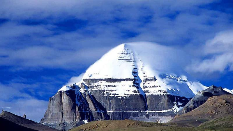 西藏冈仁波齐峰景点图片