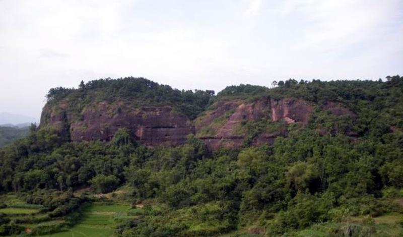 广西宴石山风景点图片