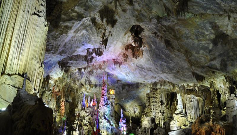 广西巴马县水晶宫景点图片