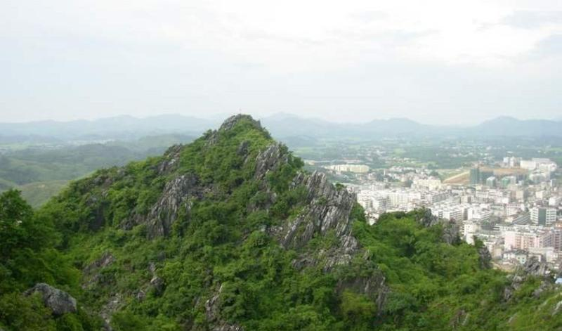 广西六峰山景点图片