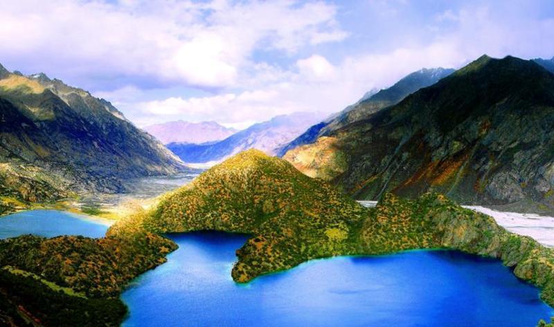 昌都三色湖景点图片