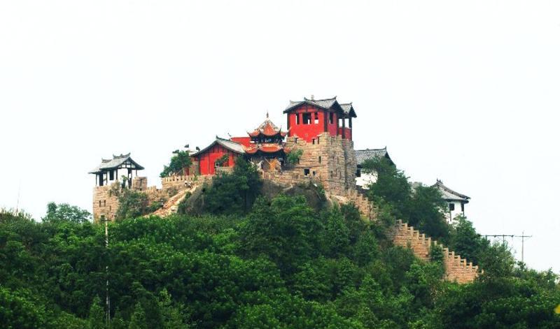 广安神龙山巴人石头城景点图片