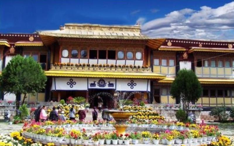 西藏罗布林卡公园景点图片