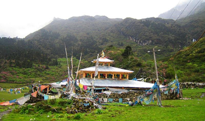 西藏扎日风景点图片