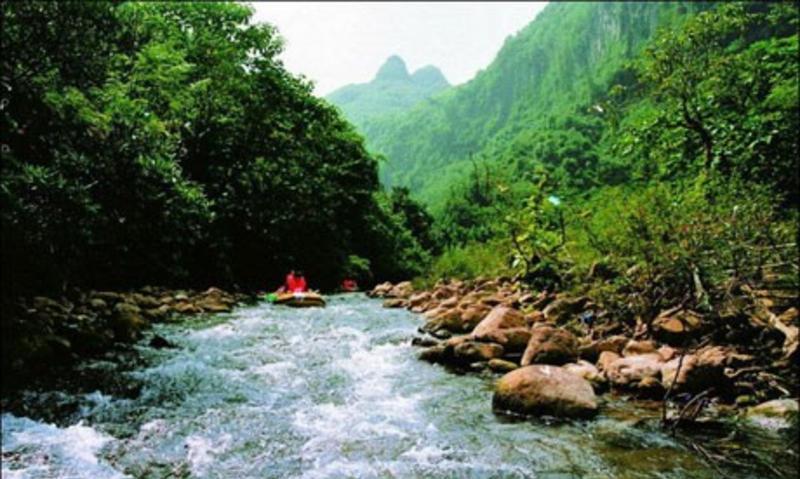 靖西古龙山峡谷群旅游风景图片