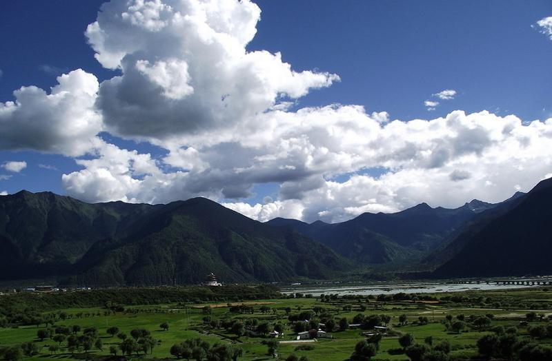 西藏林芝八一镇景点图片