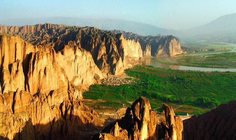 甘肃景泰黄河石林景点图片