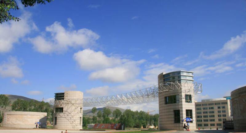 青海大学校园风光景点图片
