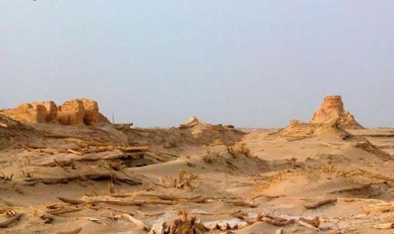 楼兰古城遗址景点图片