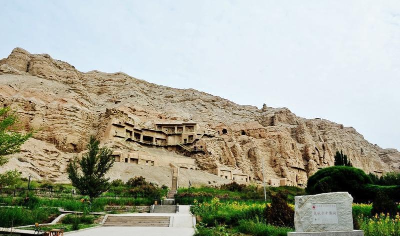 新疆克孜尔千佛洞景点图片