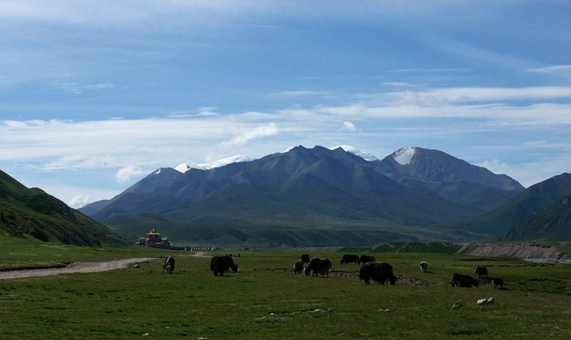 青海阿尼玛卿雪山旅游风景图片