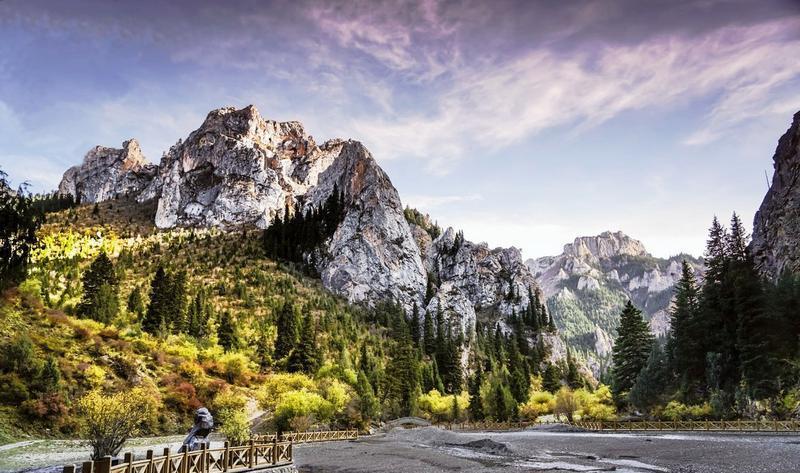碌曲则岔石林旅游景点图片